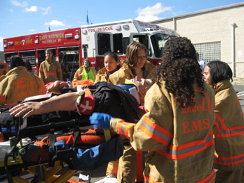 New Med Students Training as EMTs - Hofstra North Shore-LIJ